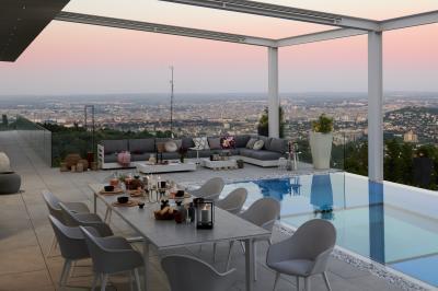 Elegáns terasz bútorokkal - erkély / terasz ötlet, modern stílusban