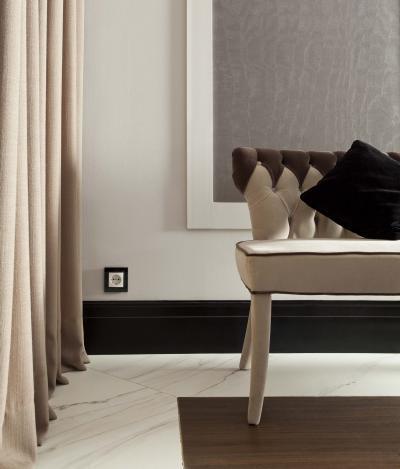 Fekete-fehér konnektor - nappali ötlet, klasszikus stílusban