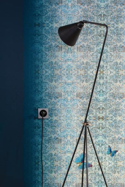 Szürke-fekete konnektor - nappali ötlet, modern stílusban