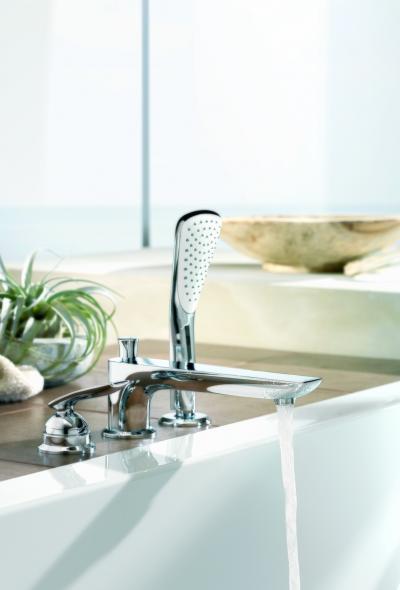 Egykaros kád csaptelep zuhannyal - fürdő / WC ötlet
