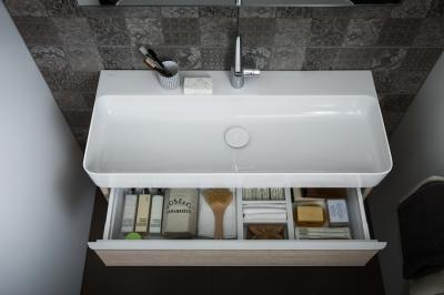 Tágas mosdó - fürdő / WC ötlet, modern stílusban