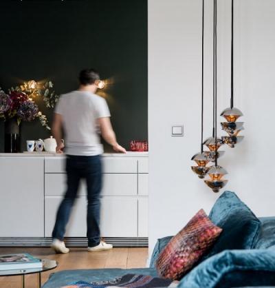 Fehér villanykapcsoló - nappali ötlet, modern stílusban
