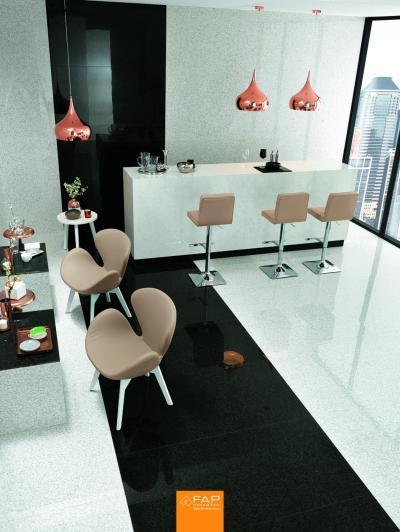Fényes, fekete burkolat - konyha / étkező ötlet, modern stílusban