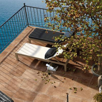Natúr színű teraszburkolat - erkély / terasz ötlet