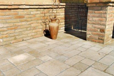 Antik kőburkolat - erkély / terasz ötlet