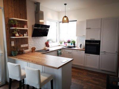 Klasszikus fehér konyhabútor - konyha / étkező ötlet