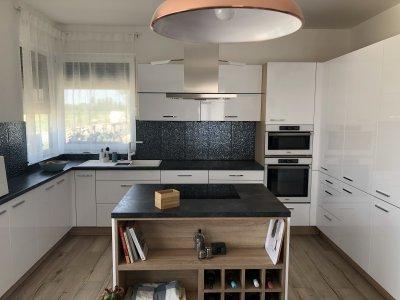 Uno fehér konyhabútor - konyha / étkező ötlet, modern stílusban