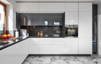 Antracit és fehér kombináció - konyha / étkező ötlet, modern stílusban