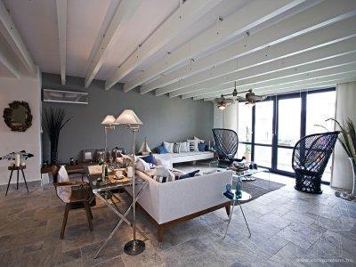 Kőburkolat a padlón - nappali ötlet, modern stílusban