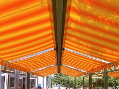 Sátras napellenző - erkély / terasz ötlet, modern stílusban
