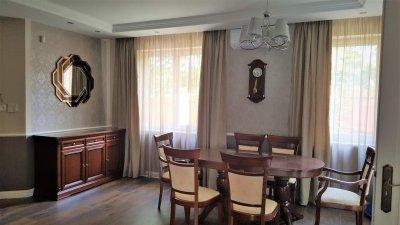 Mediterrán stílusú házat alakítottunk át angol stílusú otthonra - konyha / étkező ötlet, klasszikus stílusban