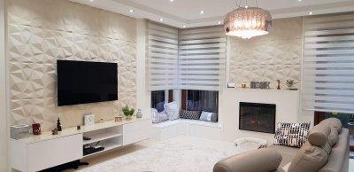 Modern stílusú enteriőr 3D falpanel dekorációval és elektromos kandallóval. - nappali ötlet, modern stílusban
