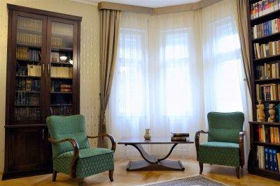 Század eleji Art Deco stílusú családi ház eredeti Art Deco bútorral berendezett dolgozószobája. - dolgozószoba ötlet, egyéb stílusban