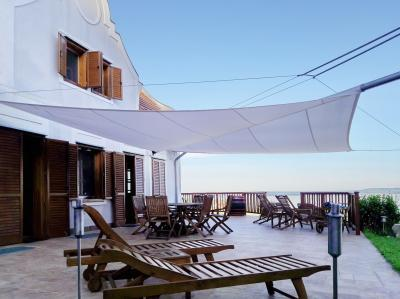 Nyaraló napvitorlával - erkély / terasz ötlet