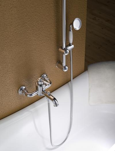 Klasszikus kádtöltő zuhannyal - fürdő / WC ötlet, klasszikus stílusban