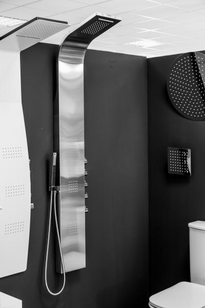 Modern zuhanyfal - fürdő / WC ötlet, modern stílusban