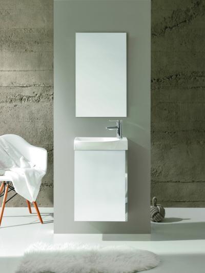 Fehér mosdó és szekrény - fürdő / WC ötlet, modern stílusban