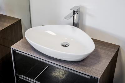 Ívelt mosdó - fürdő / WC ötlet, modern stílusban