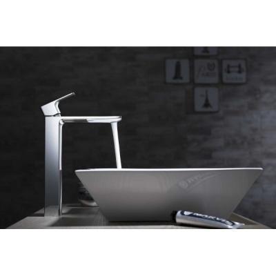 Elegáns csaptelep és mosdó - fürdő / WC ötlet, minimál stílusban