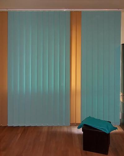 Nagy ablak szalagfüggönnyel - nappali ötlet, modern stílusban