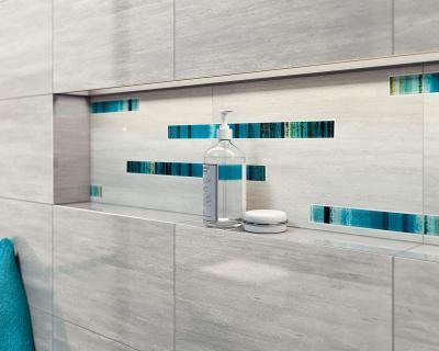 Kőhatású csempe dekorral - fürdő / WC ötlet, modern stílusban