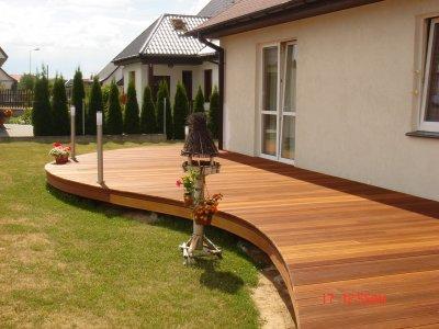 Trópusi fa teraszburkolat - erkély / terasz ötlet, modern stílusban