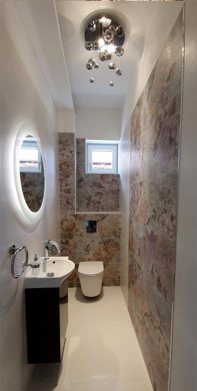 Világos virágos - fürdő / WC ötlet, modern stílusban