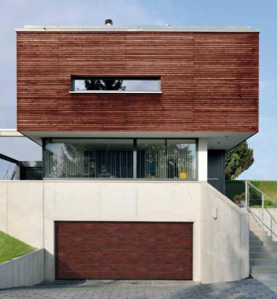 Szekcionált garázskapu - garázs ötlet, modern stílusban