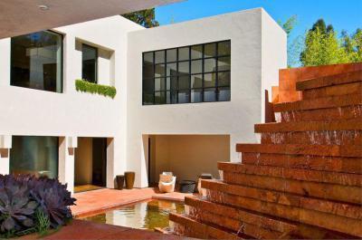 Vízesés otthon - erkély / terasz ötlet, modern stílusban