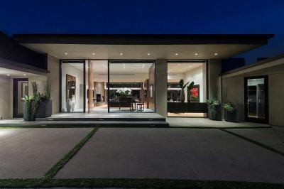 Üvegajtós bejárat - bejárat ötlet, modern stílusban