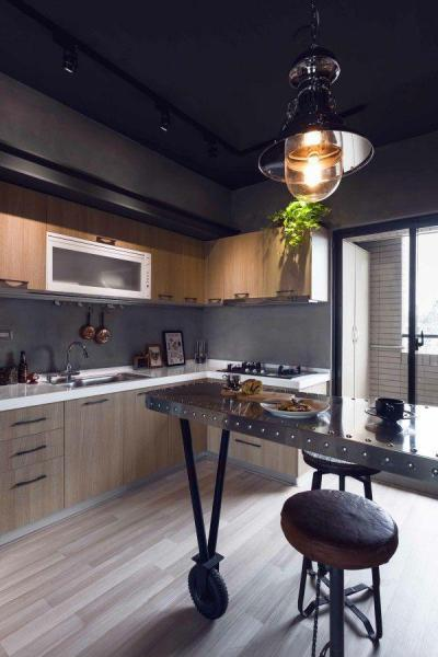 Sötét konyha - konyha / étkező ötlet, modern stílusban