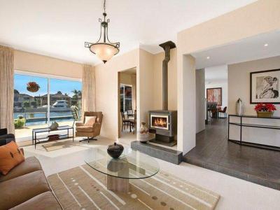 Kandallós házak26 - nappali ötlet, modern stílusban