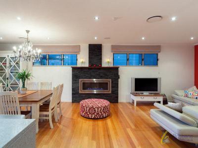 Kandallós házak27 - nappali ötlet, modern stílusban