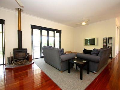 Kandallós házak42 - nappali ötlet, modern stílusban