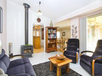 Kandallós házak57 - nappali ötlet, modern stílusban