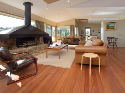 Kandallós házak87 - nappali ötlet, modern stílusban