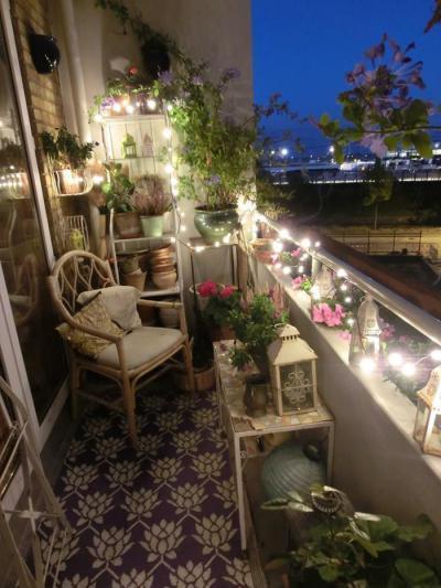 Égősorral dekorálva - erkély / terasz ötlet