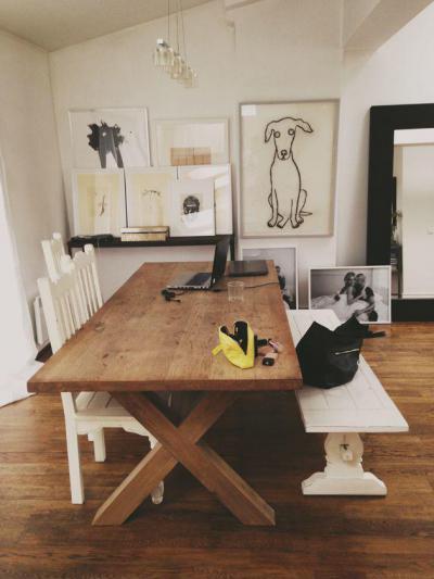 Kutyával a falon - konyha / étkező ötlet, modern stílusban