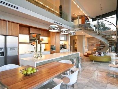 Meleg burkolatos konyha - konyha / étkező ötlet, modern stílusban