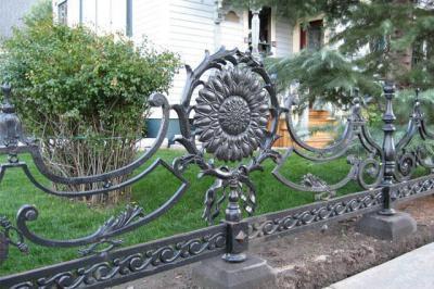 Gyönyörű kerítés  - kerítés ötlet, klasszikus stílusban