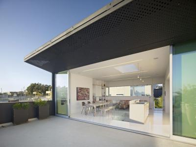 Kihajtható árnyékoló - erkély / terasz ötlet, modern stílusban