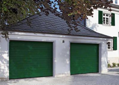 Klasszikus szekcionált garázskapu - garázs ötlet, klasszikus stílusban