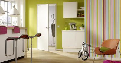 Az időtálló fehér ajtó - konyha / étkező ötlet, modern stílusban