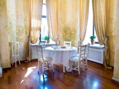 Klasszikus étkező - konyha / étkező ötlet, klasszikus stílusban