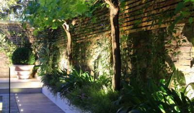 Téglafalas udvar - kert / udvar ötlet, modern stílusban