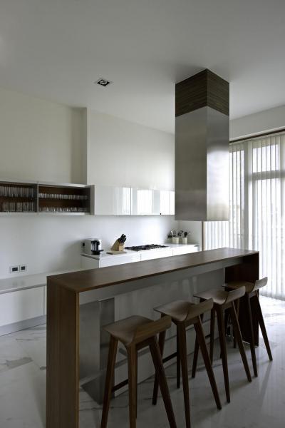 Bárpult a konyhában - konyha / étkező ötlet, minimál stílusban