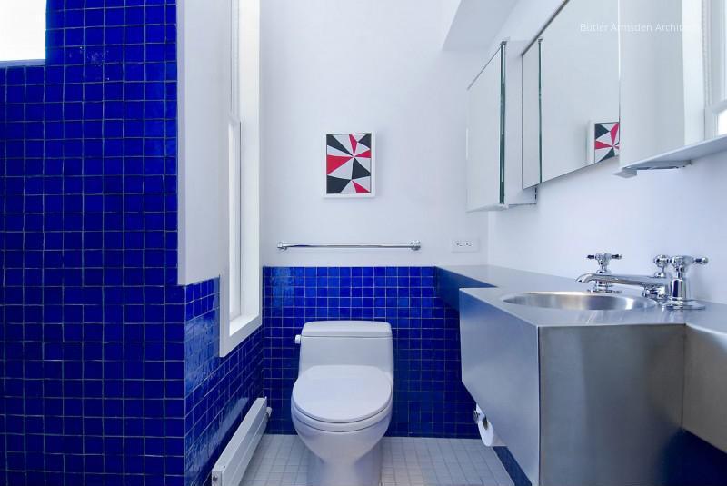 Kék csempe a fürdőben // HOMEINFO.hu - Inspirációtár