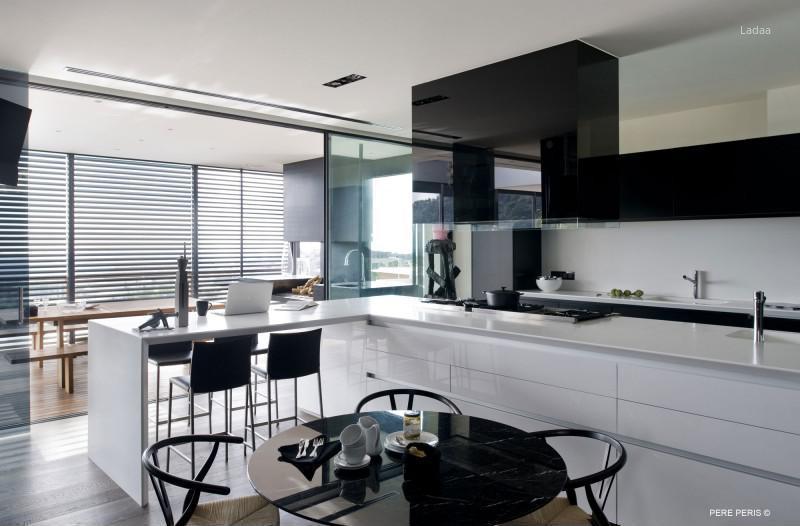 Fekete fehér konyhabútor // HOMEINFO.hu - Inspirációtár