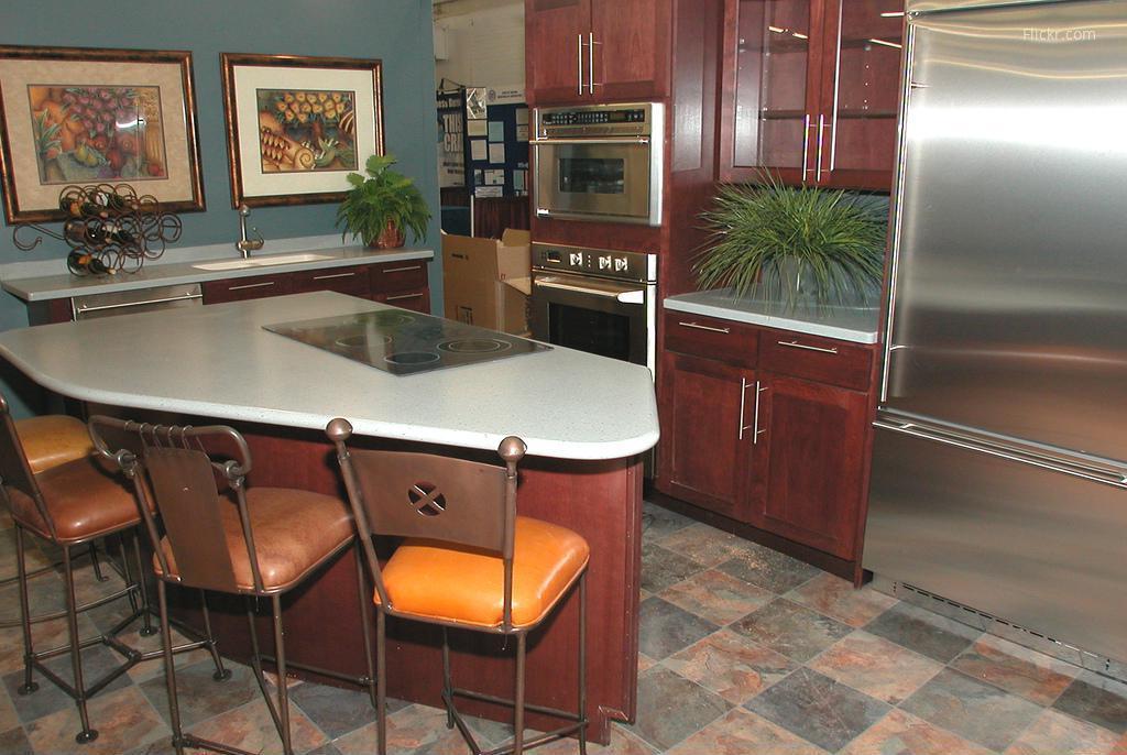 Kis konyha nagy hűtővel // HOMEINFO.hu - Inspirációtár