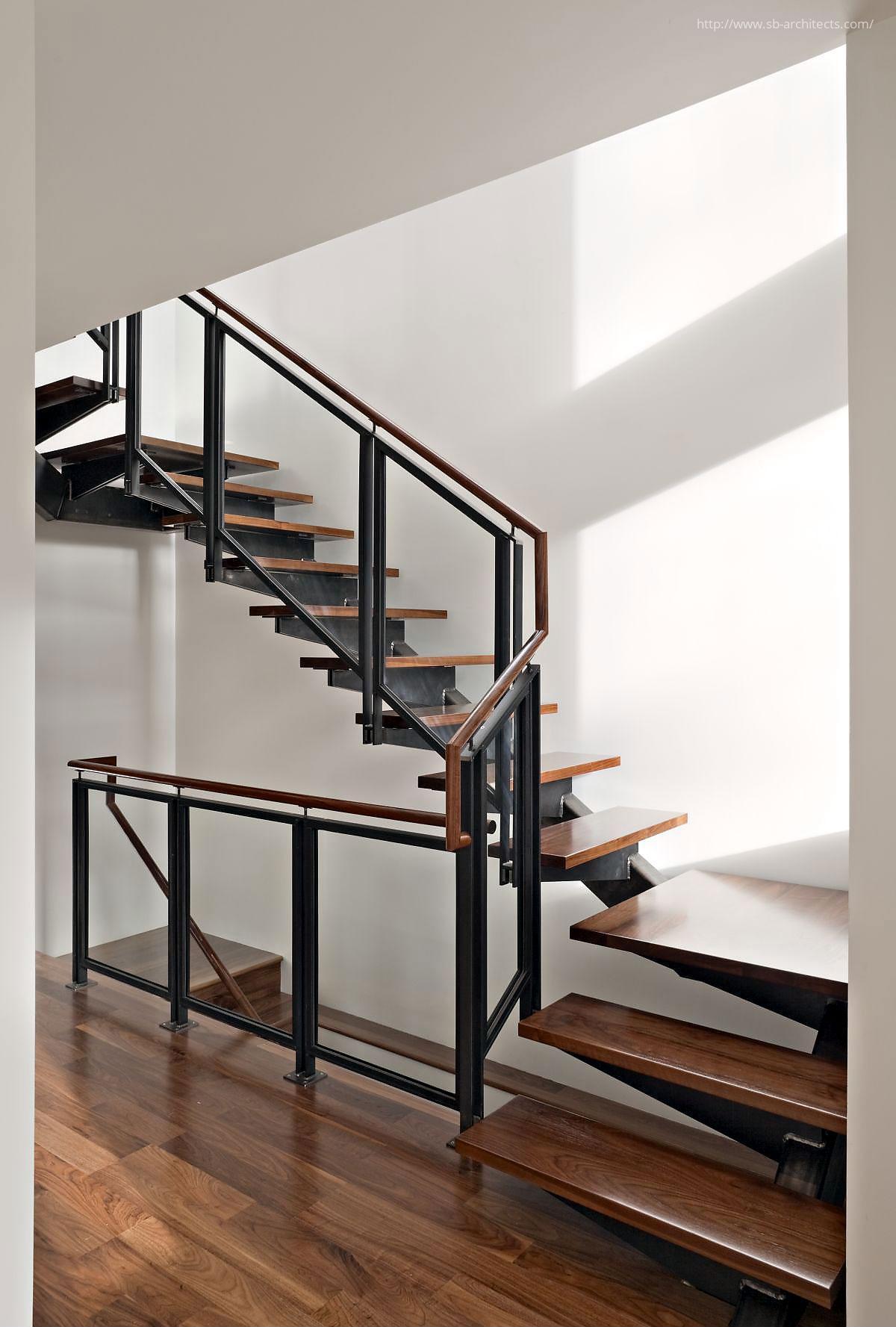 Beltéri lépcső // HOMEINFO.hu - Inspirációtár